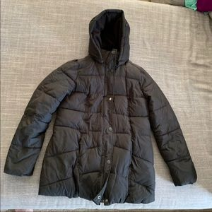 Old Navy Maternity Puffer Jacket in Black